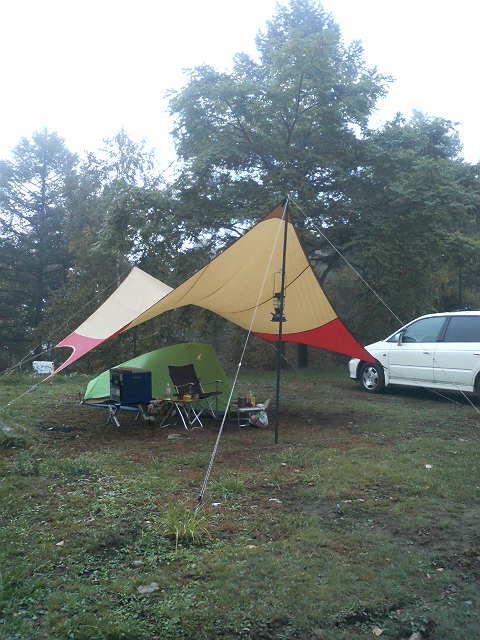 紅葉のキャンプ