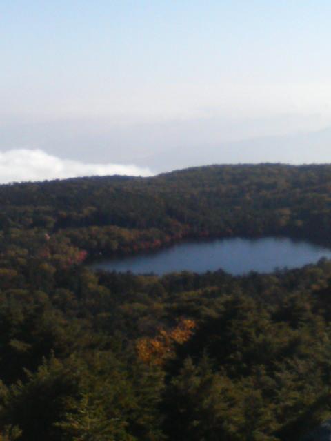 高見石と白駒池